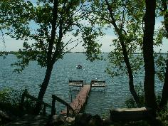 dock on lake small_thumb.JPG